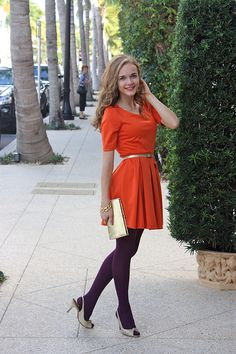 color blocking, orange dress, gold belt, purple tights, what a fashionista. Colored Tights Outfit, Purple Tights, Coloured Tights, Opaque Tights, Black Tights, Geek Chic Outfits, Sexy Outfits, Cute Outfits, Fashion Outfits