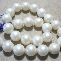 """BIG Beautiful White Oyster Shell Pearls 18mm Round Beads 16"""" Jewelry Design"""