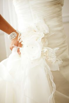 Real Wedding: A Ceremony in Simi, Valley | Done Brilliantly http://pinterest.com/nfordzho/dream-wedding/