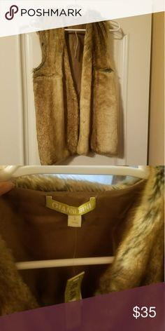 Gianni Bini faux fur vest New with tags size small Gianni Bini Jackets & Coats Vests