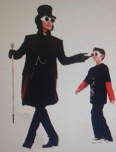 Johnny Depp Willy Wonka, John Deep, Wonka Factory, Johnny Depp Wallpaper, Charlie Chocolate Factory, Freddie Highmore, Tim Burton, Singers, Butterflies