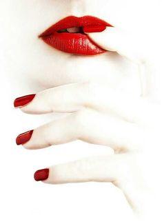 red.white.