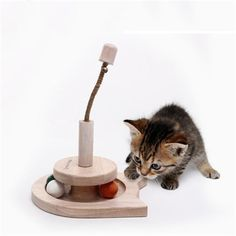 Interactive Pet Cat Toy Ball Treat Climbing Scratch Mascotas Gatto Boligrafos Dogs Fun Toys For Cats Products Pet Goods QQM2252