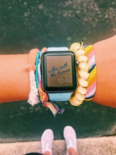 Apple Watch: A Line Changer or a Trick? What is the most effective Apple Watch? - Just Watches Apple Watch Bracelets, Cute Bracelets, String Bracelets, Cute Jewelry, Jewelry Accessories, Jewlery, Estilo Converse, Apple Watch Fashion, Accessoires Iphone