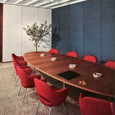 This 1954 installation of #Saarinen Executive Chairs is truly timeless.  #modernalways #design