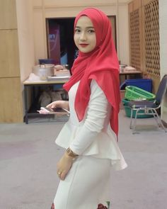 Setahunbaru: Hijab In Love Hijab Niqab, Hijab Chic, Hijab Dress, Hijab Outfit, Beautiful Hijab, Beautiful Asian Girls, Archery Girl, Asian Model Girl, Hijab Fashionista