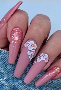 Spring means you can try many new things. Spring outfit, spring hairstyles, of course, you need a modern spring nail art. We've collected 33 of the latest spring nail art designs that will keep you looking right all spring. Nail Design Glitter, Gold Nail Designs, Cute Acrylic Nail Designs, Nails Design, Pink Glitter, Glitter Nails, Summer Acrylic Nails, Best Acrylic Nails, Spring Nails