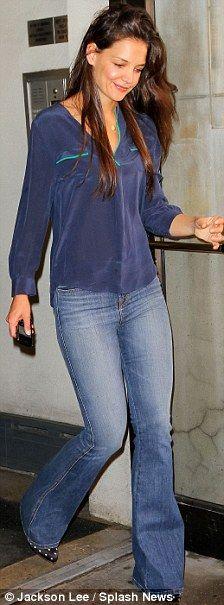 Katie Holmes - modest fashion