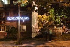 La vie m'échappe - Philippe Allard | Les productions du Partenariat | Quartier des spectacles Art Public, Spectacle, Philippe, Oeuvre D'art, Les Oeuvres, Neon Signs, Life