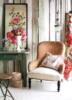 photo source link doesn't work!  LOVE the walls, chair seat, stool, table, chandelier, everything!