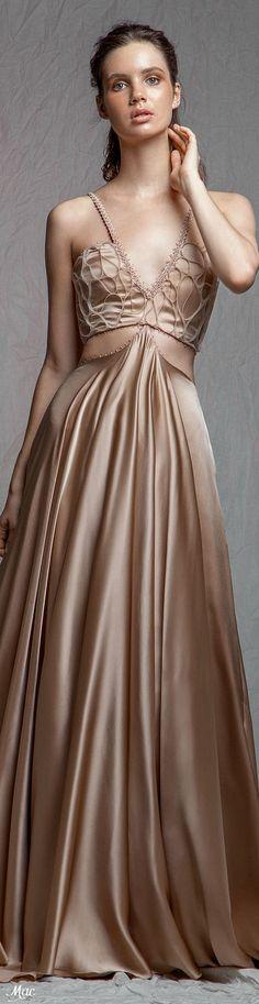 Spring Fashion, High Fashion, Fashion Show, Fashion Brands, Formal Wear, Formal Dresses, Golden Dress, Dress Up, Play Dress