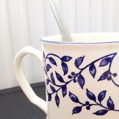 Flashback tea time avec les copinettes ! ☕️ @margotweite #teatime #goûter #entrecopines #mug #flowers #blue #fleurbleu #love #happy #goodmoment #pause #prépa #CPGE #maviedeprépa #onestbien #flashback #latergram #IG