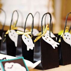 10 Best Halloween Party Ideas l eHow