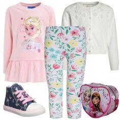 Look per bambine adatto per feste o per tutti i giorni. Felpa rosa con stampa abbinata a dei leggings bianchi in fantasia floreale, ad un cardigan con bottoni e ricami, con delle sneakers stringate e con una borsetta stampata a forma di cuore.