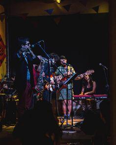 Música #band #livemusic #music #night #show #shadow #lights #piano #guitar #bass #sax #saxophone #trumpet #drums #fender #strat #nord #quito #musicshow #girl #guys #funk #afrobeat #pobrediablo