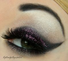 Dramatic cat eye with pink sparkles