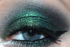 Urban Decay Vice 2: Mars is Damaged!:  http://www.xsparkage.com/urban-decay-vice-2-eye-look-mars-is-damaged/