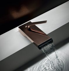 griferia zucchetti kos, grifo Him, Tono Bagno Barcelona Kos, Color Cobre, Copper Color, Natural Bathroom, Modern Bathroom, Modern Bathtub, Toilet Accessories, Boffi, Waterfall Faucet