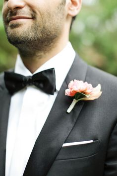 #boutonniere  Photography: Gia Canali - giacanali.com  Read More: http://www.stylemepretty.com/2014/09/09/glamorous-garden-wedding-at-the-beverly-hills-hotel/