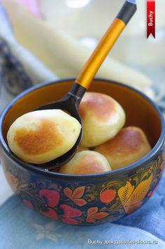 Картошечка получается с очень вкусной хрустящей корочкой, а внутри как-будто картофельное пюре. Вкусная, красивая картошка с румяной корочкой и нежной, пюреобразной серединой.Рецепт из интернета, авт…