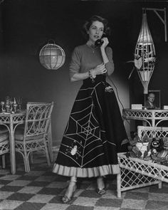 1950s Spiderweb skirt - love!