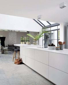 Elle decoration south africa april may 2016 Bulthaup B1, Thatched Roof, Elle Decor, Kitchen Living, Interior Design Inspiration, Home Art, Home Kitchens, Kitchen Design, Living Spaces