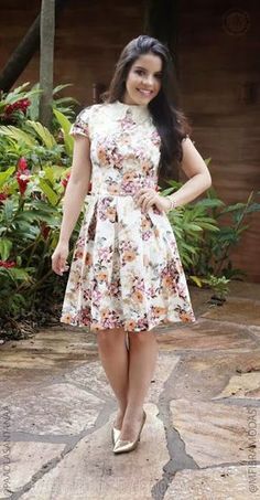Buying plus size clothes are not easy. The biggest problem with buying clothes for women with the plus-size is either n… Modest Dresses, Plus Size Dresses, Plus Size Outfits, Nice Dresses, Dress Out, One Piece Dress, Dress And Heels, Short Girl Fashion, Modest Fashion