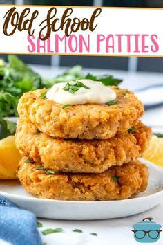 Canned Salmon Patties, Best Salmon Patties, Southern Salmon Patties, Fried Salmon Patties, Canned Salmon Recipes, Salmon Croquettes, Salmon Patties Recipe, Fish Recipes, Seafood Recipes