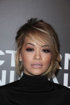 Rita Ora at the 2016 Los Angeles premiere of 'Nocturnal Animals.' Love her hair here Rita Ora, Hair Inspo, Hair Inspiration, Side Fringe Hairstyles, Corte Y Color, Brown Blonde Hair, Celebrity Beauty, Hair Goals, New Hair