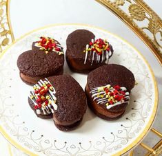 Valentines Baking, Macaron Cookies, Sweets Recipes, Party Snacks, Four, Food Design, Brownies, Food And Drink, Yummy Food