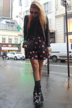 The Lips  #paris #pfw #fashion #fashionweek #ootd #wiwt #pretaporter #runway #fashionshow #fashionblog #fashionblogger #lovebyn #design #designer #travel #travelblogger #france #love #runway #fw #hermes #bag #constance #balenciaga #skirt #shoes #lips #print #streetstyle #lovebyn