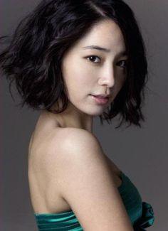wavy bob #hairstyle :: Lee Min Jung