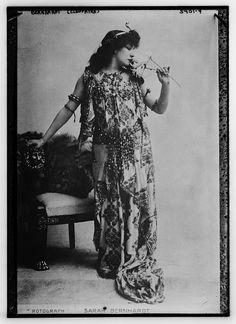 Bernhardt as Cleopatra - Sarah Bernhardt - Wikipedia, the free encyclopedia