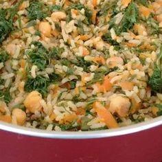 Arroz integral com grão de bico, cenoura e couve