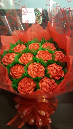 CUPCAKES~Red rose Valentine cupcake bouquet