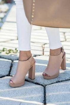 28 Diseños de zapatillas con tacón grueso