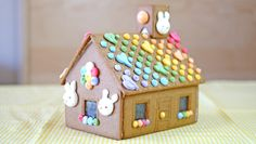look how she made pretty meringues to decorate the ginger house Woodworking Guide, Custom Woodworking, Woodworking Projects Plans, Baked Meringue, Ginger House, Bird Cookies, Ikea, Eat Dessert First, Little Birds