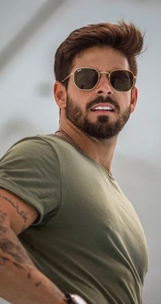 You thinking about taking your beard to next level in This is the right time for change. 20 hot beard styles to grab instant attention! styles for men Best Beard Styles For 2020 Trending Hairstyles For Men, Mens Hairstyles With Beard, Cool Hairstyles For Men, Haircuts For Men, Hairstyle Men, Nice Hairstyles, School Hairstyles, Modern Hairstyles, Professional Hairstyles