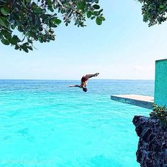 Cliff Diving at Siquijor Island, Philippines #travel