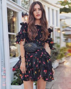 Astounding Top 15 Women Floral Outfits Ideas For Summer Holiday Celebrating holidays that fall this summer you can use comfortable floral outfits, it would be a pity if you look ordinary when going on vacation. Classy Outfits, Chic Outfits, Summer Outfits, Fashion Outfits, Summer Dresses, Womens Fashion, Fashion Tips, Floral Outfits, Long Dresses