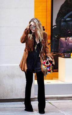 Mary-Kate and Ashley Olsen Ashley Mary Kate Olsen, Ashley Olsen Style, Olsen Twins Style, Elizabeth Olsen, Olsen Fashion, Boho Fashion, Fashion Outfits, Petite Fashion, Curvy Fashion