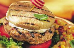 Les Burgers piccadillo, une autre façon de savourer le porc du Québec.