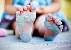 Chalky feet. This would actually make a super cute gender reveal by the older sibling(s)!