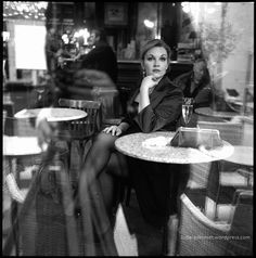 The lady at the Café. Rolleiflex 3.5 Planar with Kodak TMax400 film ludwigdesmet.wordpress.com