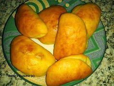 Φανταστικά κασεροπιτάκια σε σπιτική ζύμη Gyro Pita, Cookie Dough Pie, Greek Pastries, Filo Pastry, Greek Recipes, Deli, Sweet Potato, Mango, Lunch