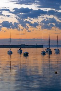 Boat Rental Italy Yacht Boutique – 2020 World Travel Populler Travel Country Boat Rental, Ireland Travel, Photos, Pictures, Dublin, Places To See, Sailing, Beautiful Places, Beautiful Sunset