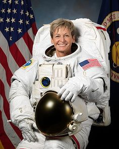 Peggy Whitson (*9.2.1960) Nasa Astronauts, Astronauts In Space, American Space, American History, First Lego League, Biochemistry, Space Station, Space Shuttle, Space Exploration