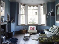 Überall sind Tiere versteckt: In dem Haus der Designerin Lou Rota durfte die Einrichtung über 13 Jahre langsam wachsen.