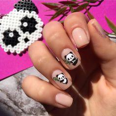 Yes Please🐼💅🏻 Via @allaboutoyku  #worldsuniquedesigns #loveit #pink #panda #goldenrose #smoothingbase #goldenrosesmoothingbase #nails #fornails #nailsticker #girlslife #fashion #nailfashion #nailart #naildesign #stylish #cute #likepost #likelikelike