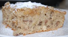 Impossibly Easy Banana Bread Coffee Cake recipe gets some help from Bisquick mix and mashed bananas. The finished coffee tastes like banana bread! Jiffy Mix Banana Bread Recipe, Bisquick Banana Bread, Easy Banana Bread, Cinnamon Banana Bread, Banana Bread Recipes, Banana Nut Cake, Banana Coffee Cakes, Crunch Cake, Bisquick Recipes